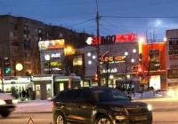 Тойота Королла протаранила новый Шкода Кодиак в Ярославле. Виновницу ищут